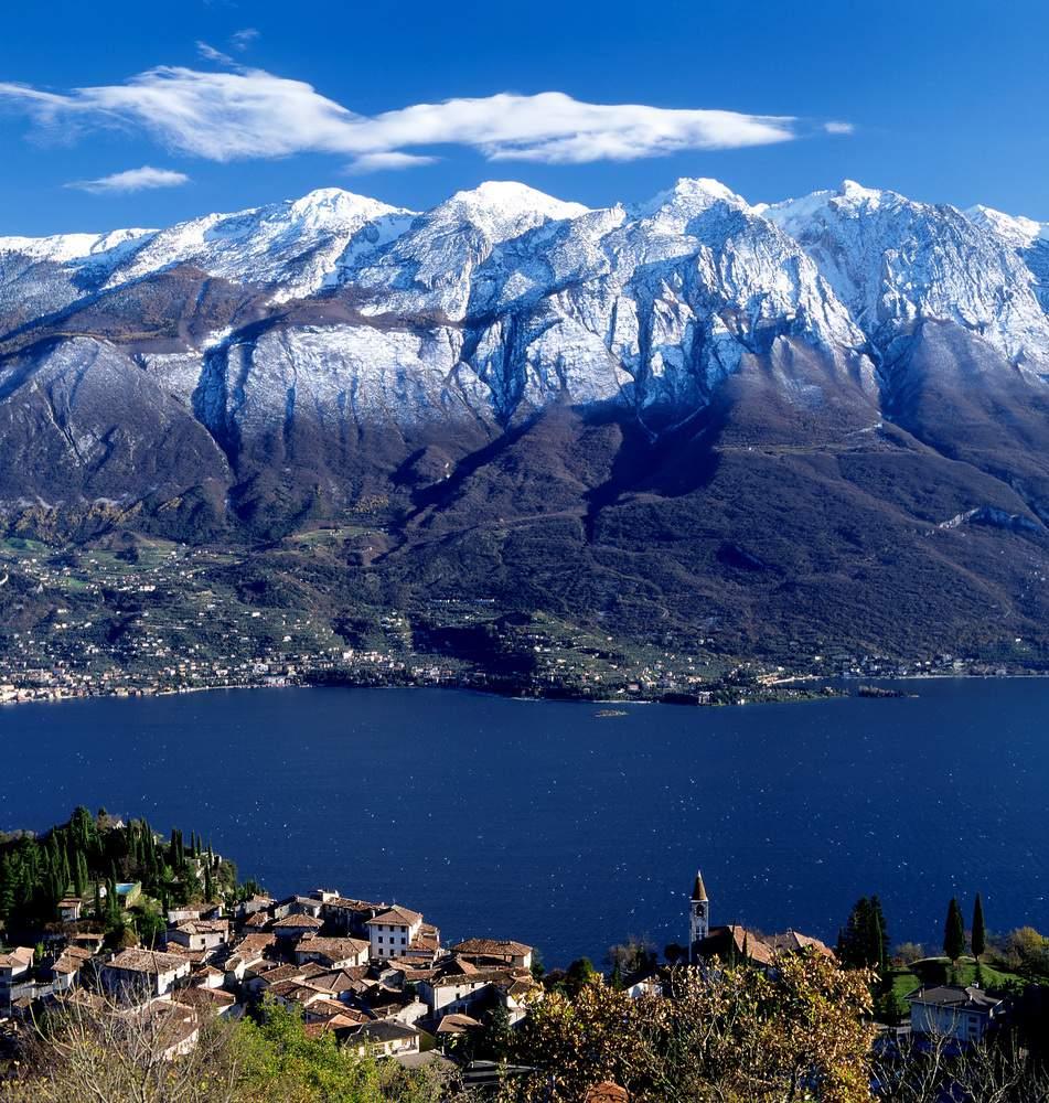 Vista da Tignale sul Monte Baldo e sul Lago di Garda