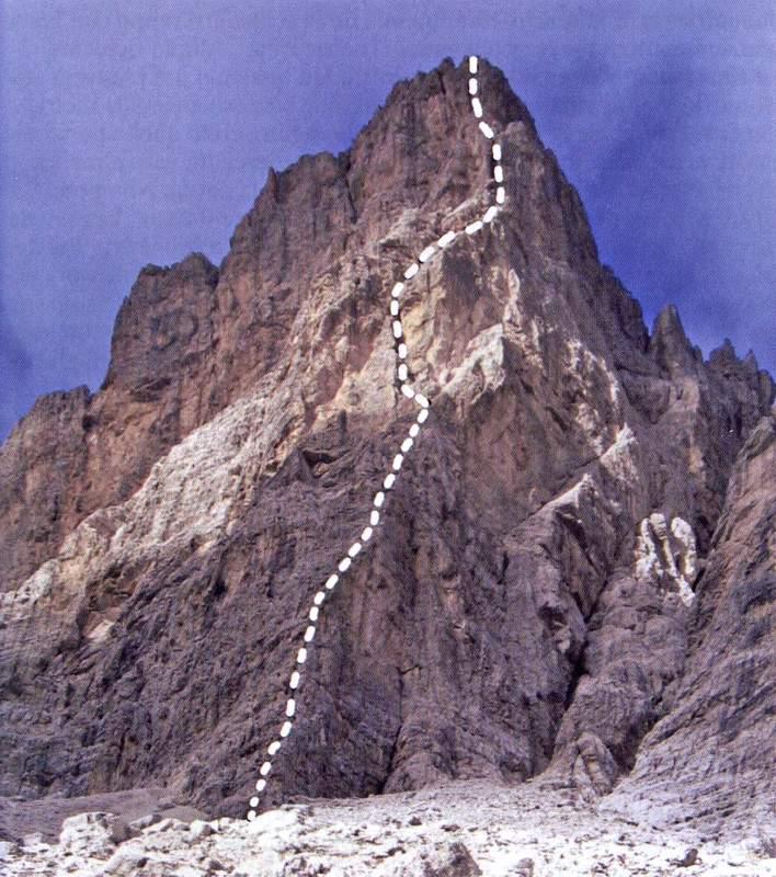 La Cresta degli Invalidi (Marmarole) con la via Olivo sullo spigolo sud-est (foto E. Zorzi)