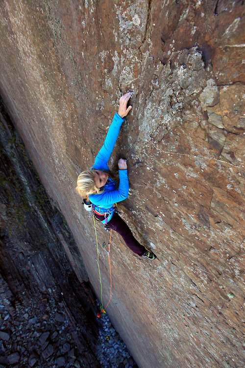 """ClimbingGirls-09-Hazel Findlay on """"Once Upon a Time in the Southwest"""" (E9 6c), Devon (UK)"""