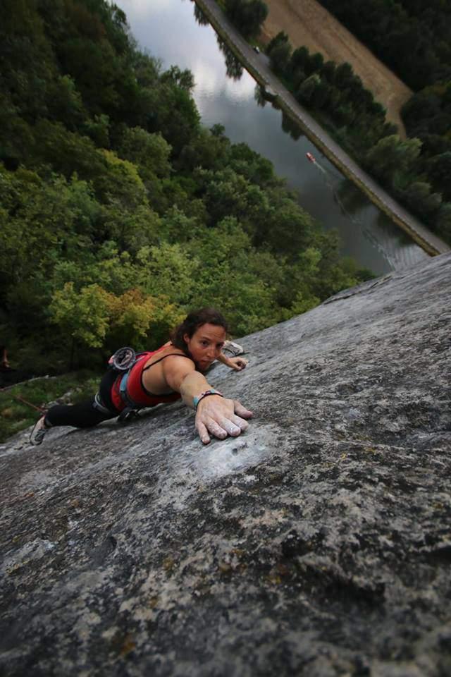 ClimbingGirls-12-Aline Lambert, Ted Gilette 7c - Freyr Beljam. Foto Francois Kivik