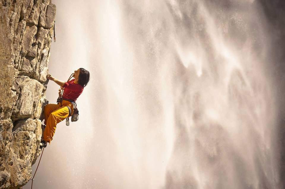 ClimbingGirls-12-Barbara Raudner climbing in Maltatal picture by Herman Erber