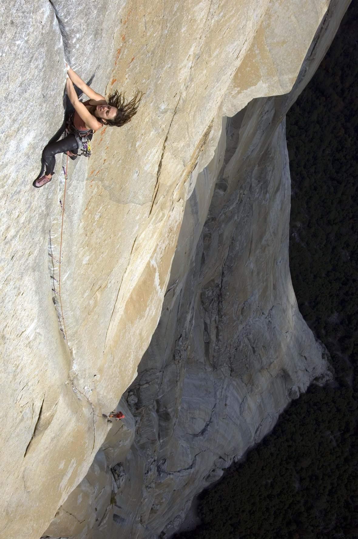 Steph Davis capocordata sulla Salathé al Capitan, Yosemite, California