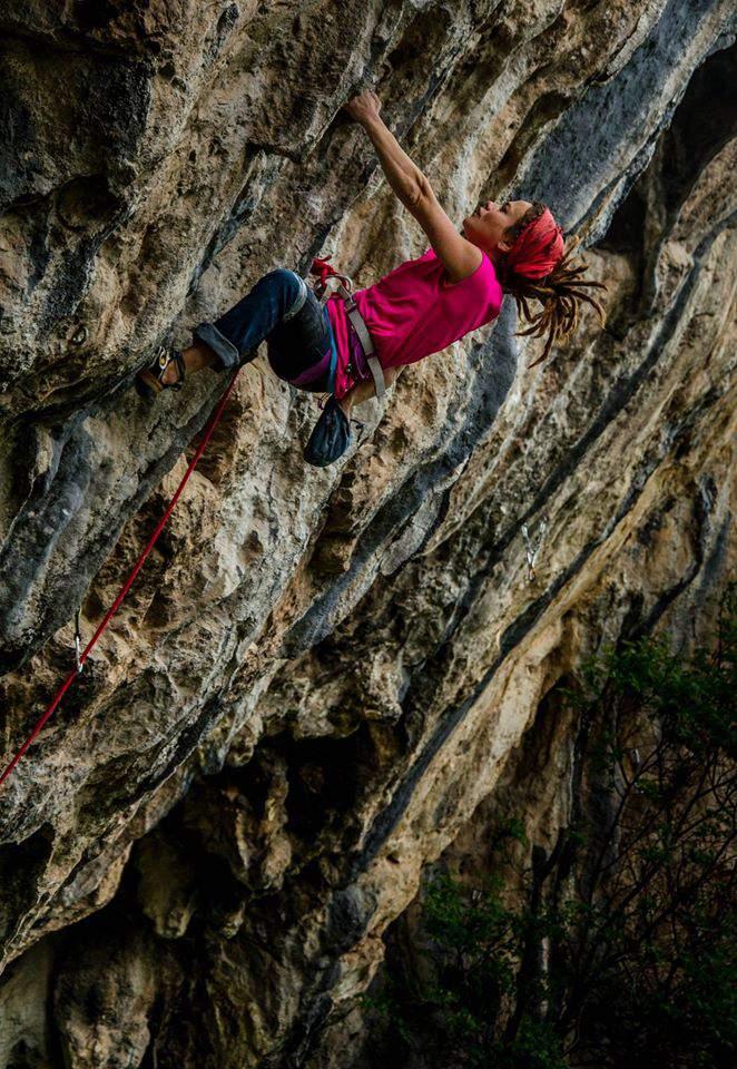ClimbingGirls-12-Duygu Yarsur climbing in Citibi, Turkey. Foto Sander Werelds