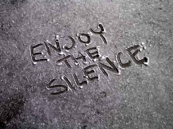 PensieriDalSilenzio-91124_silenziooro