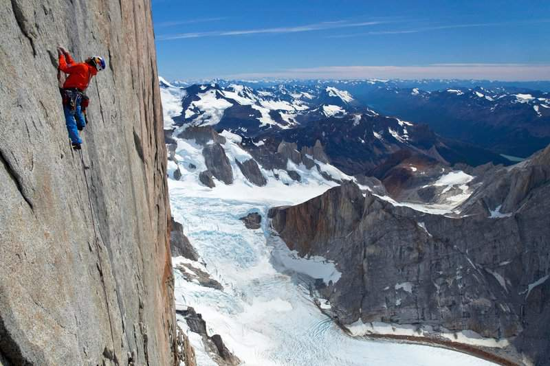 ClimbingChaps-08-david-lama-on-the-head-wall-of-cerro-torre