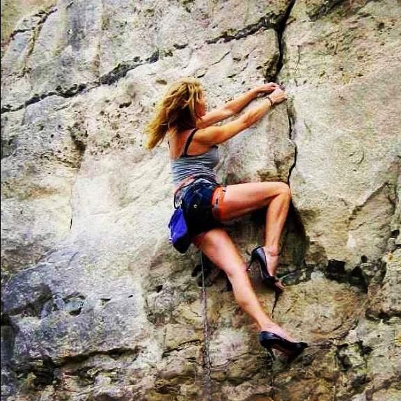 ClimbingGirls-23-Dee-www.missbrooke-selfloveinalatte.blogspot.it