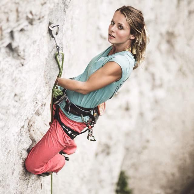 ClimbingGirls-23-Hedi Friedl,8b in the Alps,FotoWolfgang Liebacher