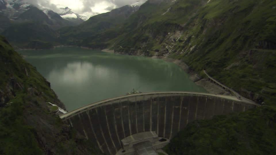 gocce-717494147-kapruner-tal-centrale-idrica-diga-di-sbarramento-lago-artificiale
