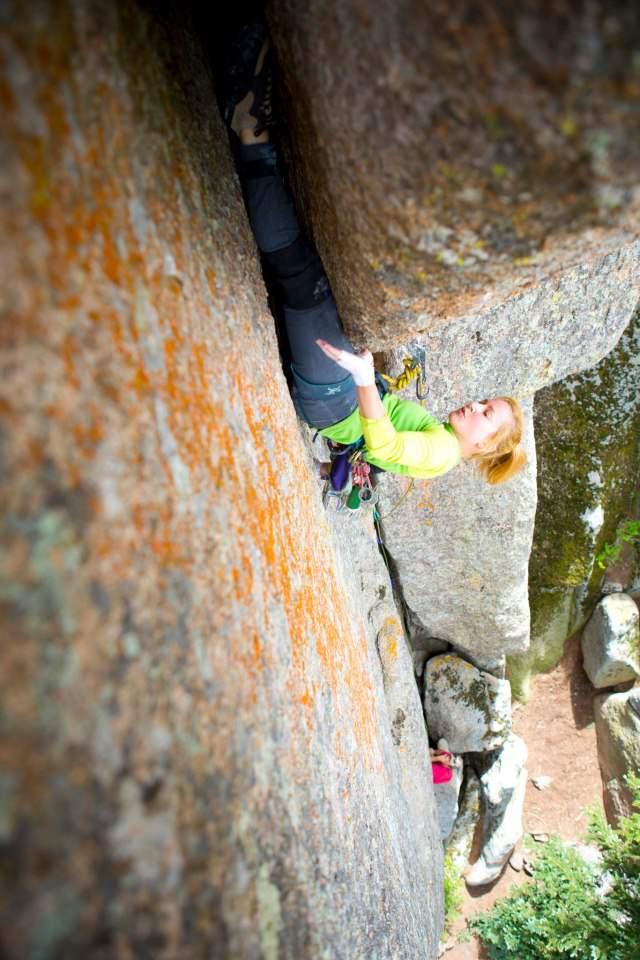 ClimbingGirls-25-PamelaShantiPack-TheDragon'sLair-5.11-FotoAndrewBurr